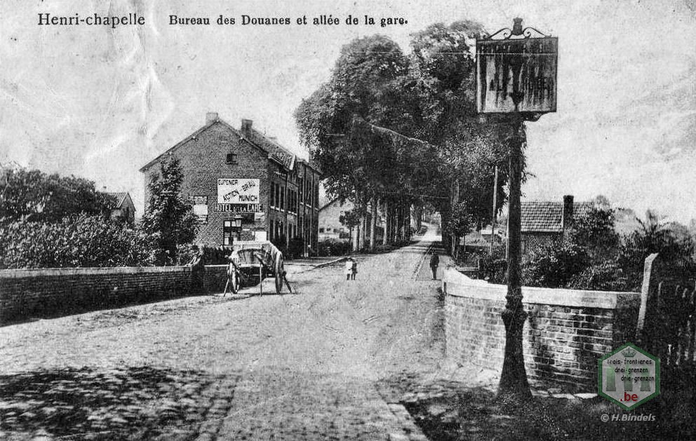 La maison blanche au croisement de la route charlemagne et la rue